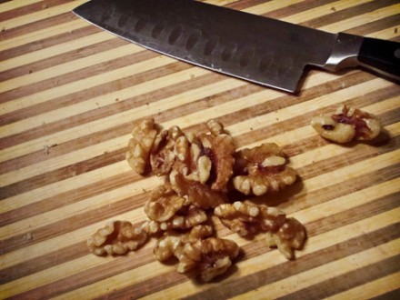 chopping walnuts